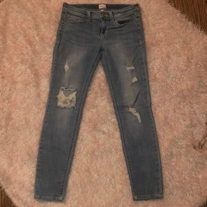 2 for $25❣️Sneak Peek Distressed Jeans